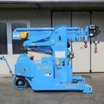 Mold lifting machine with capacity up to 6.000 kg.